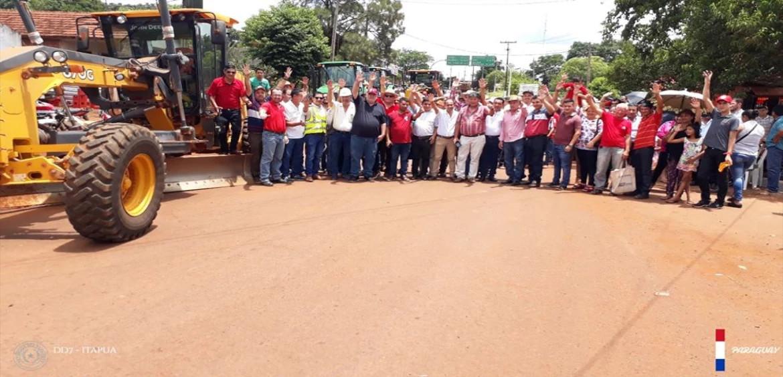 inicio de la obra de pavimentación asfáltica del tramo María Auxiliadora (Itapúa) – Tavai (Caazapá).
