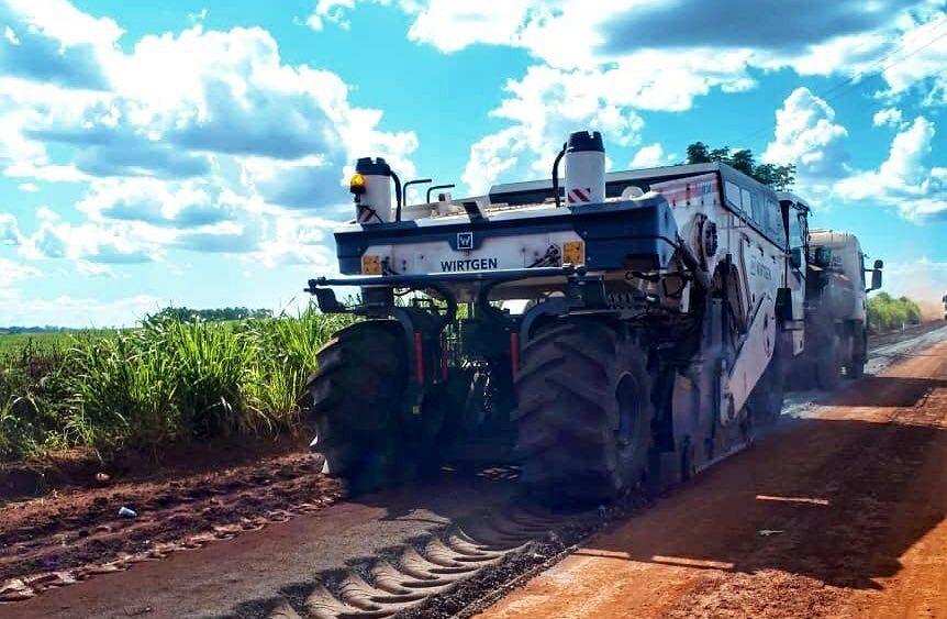 Avanza la pavimentación asfáltica del tramo de 57,12 kilómetros que conecta las localidades de Tavai (Caazapá) y Maria Auxiliadora (Itapúa).